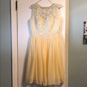 Never worn yellow lace dress size 8